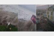 거대한 쓰나미 마을 휩쓸어…인도네시아 규모 7.5 강진·쓰나미로 최소 48명 사망