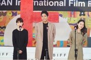"""""""울림 길고 깊어""""…홍상수·김민희 '풀잎들', 호평 속 BIFF 마무리"""