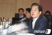 """""""文정부 사전제공 통계자료 456건…靑 마사지 의혹"""""""