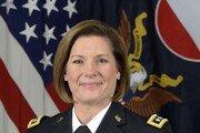 美 육군전력사령부 첫 여성 사령관 탄생