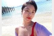 마마무 휘인, 해변서 셀카…청초+섹시 절묘