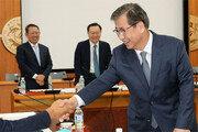 국정원 대공수사권 이관… 여야 '3년유예 방안' 협의