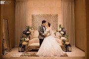 '8년만에 결혼' 리치, 결혼식 공개 …아내 위한 축가까지