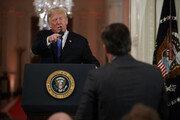 CNN 기자 백악관 출입금지 관련 소송 판결 하루 연기