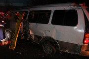 서해안고속道서 승합차 가드레일 받아…1명 사망·6명 부상