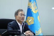 """文대통령 """"오늘의 오솔길이 평화의 길…DMZ, 평화의 땅으로 바뀔 것"""""""