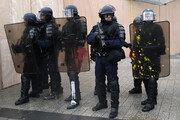 """프랑스 정부, """"경찰에 300유로씩 보너스""""…경찰노조 """"해결책 아냐"""""""