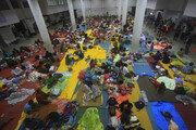 열대폭풍 '파북' 태국 남부 인기휴양지 강타…관광객 4만명 고립
