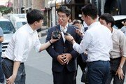 백원우, '김기춘·김무성 첩보 이첩지시' 일부 언론 보도에 고소장