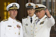 """美해군총장, 한일 양국에 """"협력해 '레이더 갈등' 해결하라"""" 촉구"""