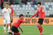 '캡틴' 손흥민, 경기장 안팎서 보여주는 리더십…벤투호가 웃는다