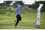 '낚시꾼 스윙' 최호성, PGA 투어 데뷔전 첫날 1오버파