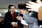 """황교안 """"박 전 대통령 최대한 도왔다""""…배박 논란 정면 반박"""