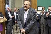 [정미경의 이런 영어 저런 미국]'92살 먹은 느낌'을 즐겼던 노장 의원
