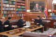 """김양건이 김정일 앞에서 """"금강산 안돼"""" 목소리 높인 까닭은… [신석호 기자의 우아한]"""