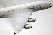 '하늘위 호텔' A380, 역사의 뒤안길로…생산 종료