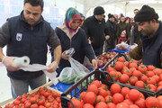 선거 앞두고 장바구니 물가 비상… 반값 채소가게 차린 터키정부
