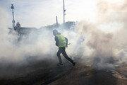프랑스 14차 '노란조끼 시위'…최루가스·증오연설 난무