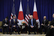 북한에 느슨해진 트럼프, 걱정 늘어난 일본