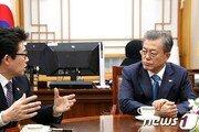 文대통령 국정지지율 46%…'경제·北·미세먼지' 3%p↓