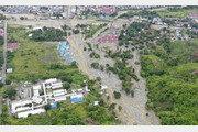 인도네시아 홍수 사망자 89명으로 증가…74명 실종 상태