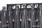 """스리랑카 부활절 테러 희생자들 첫 합동 장례식…IS """"우리 소행"""" 주장"""