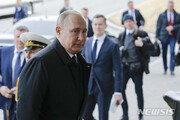 [속보]김정은-푸틴, 첫 정상회담 시작…회담장 앞에서 악수