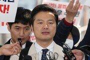 """'명예훼손 혐의' 김태우 경찰 출석…""""승리단톡방 '윤총경' 대질"""" 요구"""