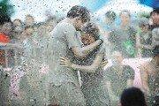천연 머드에 풍덩… 세계인의 축제로 자리매김