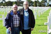 노르망디 미군 사생아, 73년만에 美 이복형제 만나
