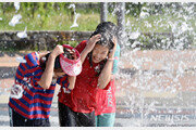 [날씨]낮 기온 33도 안팎 '여름 날씨'…경상내륙 폭염특보