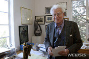 '우주의 기본' 쿼크 발견한 머리 겔만, 89세로 사망
