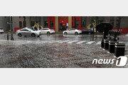 [날씨] 일요일 전국 곳곳 요란한 비… 중부 일부 우박