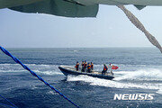 중국 선박, 남중국해서 베트남 어선이 잡은 오징어 2t 강탈