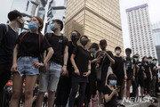 中 얼굴 인식 기술에 홍콩 시위대 '마스크'로 위장
