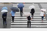 [날씨]퇴근길 빗방울 오락가락…20일은 곳곳서 30도