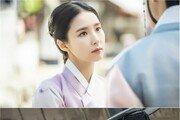 '신입사관 구해령' 신세경·차은우, 필 꽂히는 만남…강렬 눈빛
