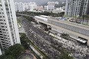 홍콩 행정장관, 사퇴설 일축…시위대 향해 '폭도' 비난