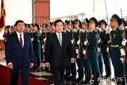 """李총리 """"무역 여건 어려워져…소재 국산화·수입처 다변화해야"""""""