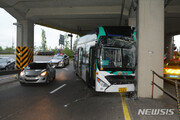 당산역 고가도로서 버스 사고…운전자 사망·승객 부상