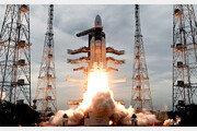 인도 무인 달 탐사선 발사 성공