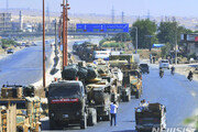 시리아서 터키 수송부대 공습받아…민간인 3명 사망·12명 부상