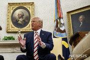 """트럼프, """"무역전쟁에 고통받을 수 있지만 누군가가 중국과 맞장떠야"""""""