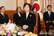 文대통령, 27일 김소영·김신·김창석 전 대법관에 훈장 수여