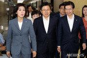 청문회 앞두고 막판에 터진 조국 추가 의혹…한국당, 대여공세 고삐