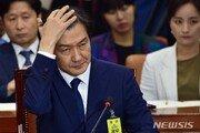 """청와대·검찰 '조국 충돌'…법조계 """"검찰에 더 명분있다"""""""
