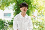 """11일 개봉 '타짜3' 주연 박정민 """"몇달 동안 '카드 기술' 배우고 몸무게도 20kg 뺐어요"""""""