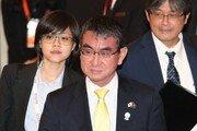 고노 日외무상, 태국 이어 싱가포르 언론에도 韓비판 기고문