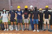 홍콩대 학생들, 폭력 항의 '인간 사슬'