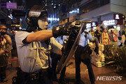 """홍콩 경찰 """"시위대의 치명적 공격에 실탄사격할 수도"""" 또 경고"""